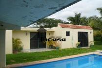 Casa En Venta En Villa Uman, Uman, Yucatán En 1,950,000 Mxn Con 000m2
