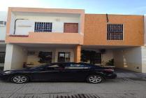 Casa En Renta En Fraccionamiento 18 De Marzo, Carmen, Campeche En 12,000 Mxn Con 000m2