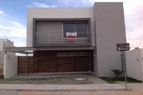 Casa En Venta En Residencial Punta Del Este, Leon, Guanajuato En 2,650,000 Mxn Con 24000m2