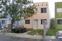 Casa En Venta En Fraccionamiento Residencial Del Valle, Matamoros, Tamaulipas En 450,000 Mxn Con 8500m2