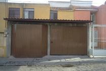Casa En Venta En Colonia Bernardo Cobos, Irapuato, Guanajuato En 720 Mxn Con 8200m2